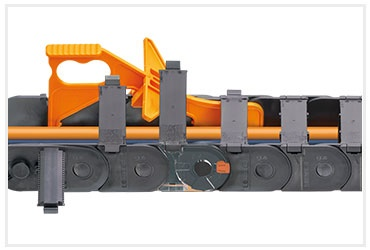 E2.1 series e-chains with chain opener